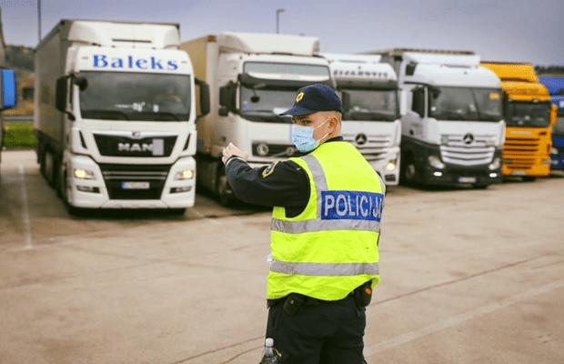 politia-slovenia-tranzit-camioane-620x400-min.png