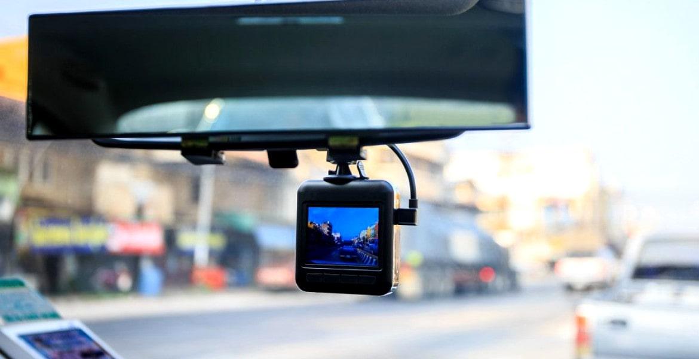 shutterstock_camera-de-bord.jpg